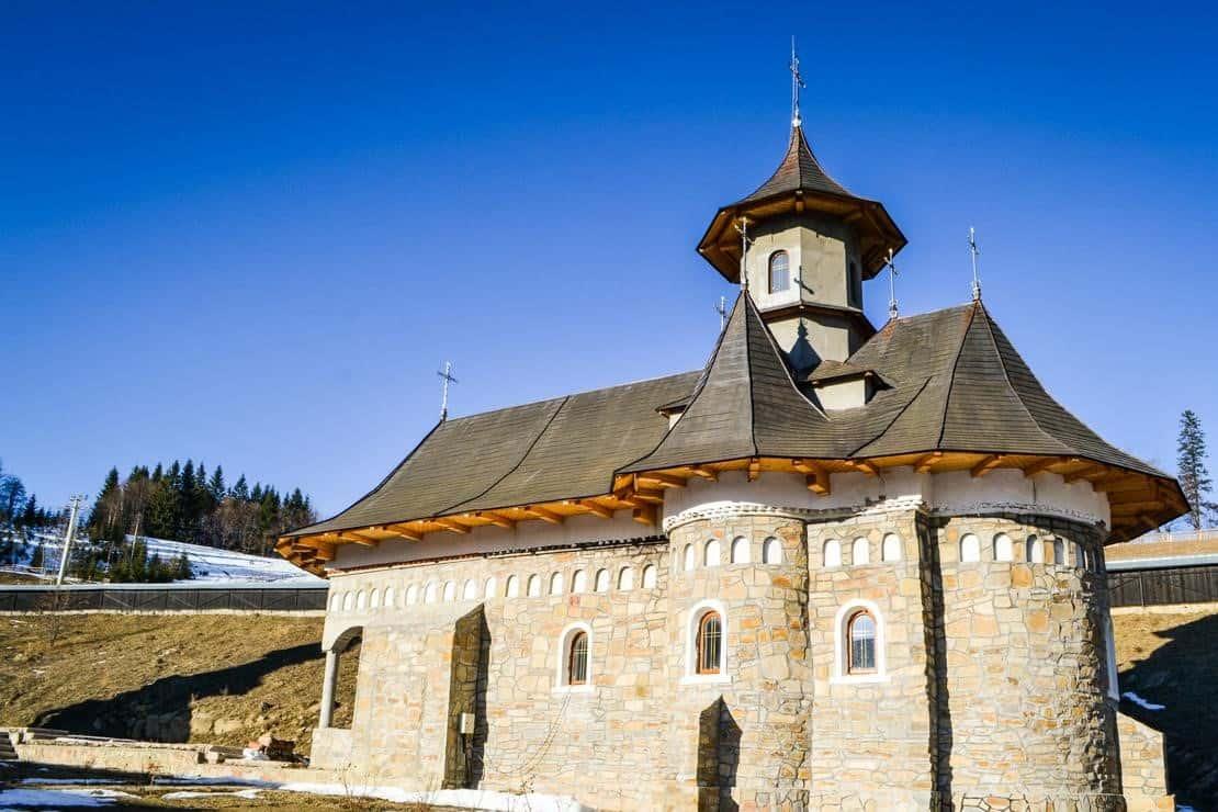 Manastirea-Daniil-Sihastrul