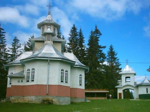 Manastirea-Mestecanis-1