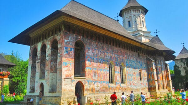 Manastirea-Moldovita-(Vatra Moldovitei)