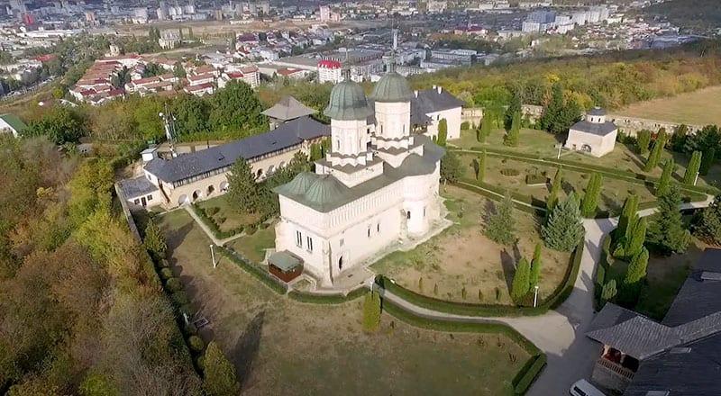 Manastirea Pestera Sfantului Apostol Andrei 01 1