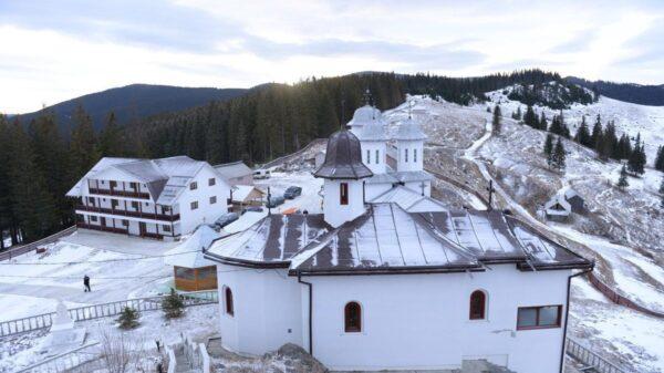 Manastirea-Piatra-Taieturii