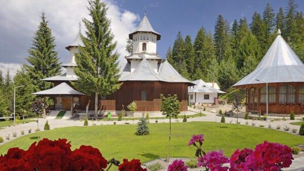 Manastirea-Plutonita-Doroteia