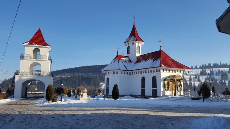 Manastirea-Podu-Cosnei-1
