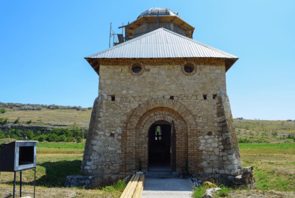 Manastirea Adancata