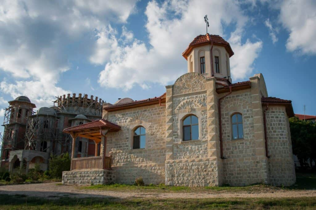 Manastirea Pesterea Sfantul Ioan Casian
