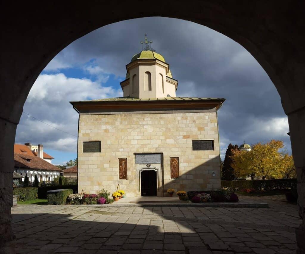 Manastirea Negru Voda Campulung Muscel