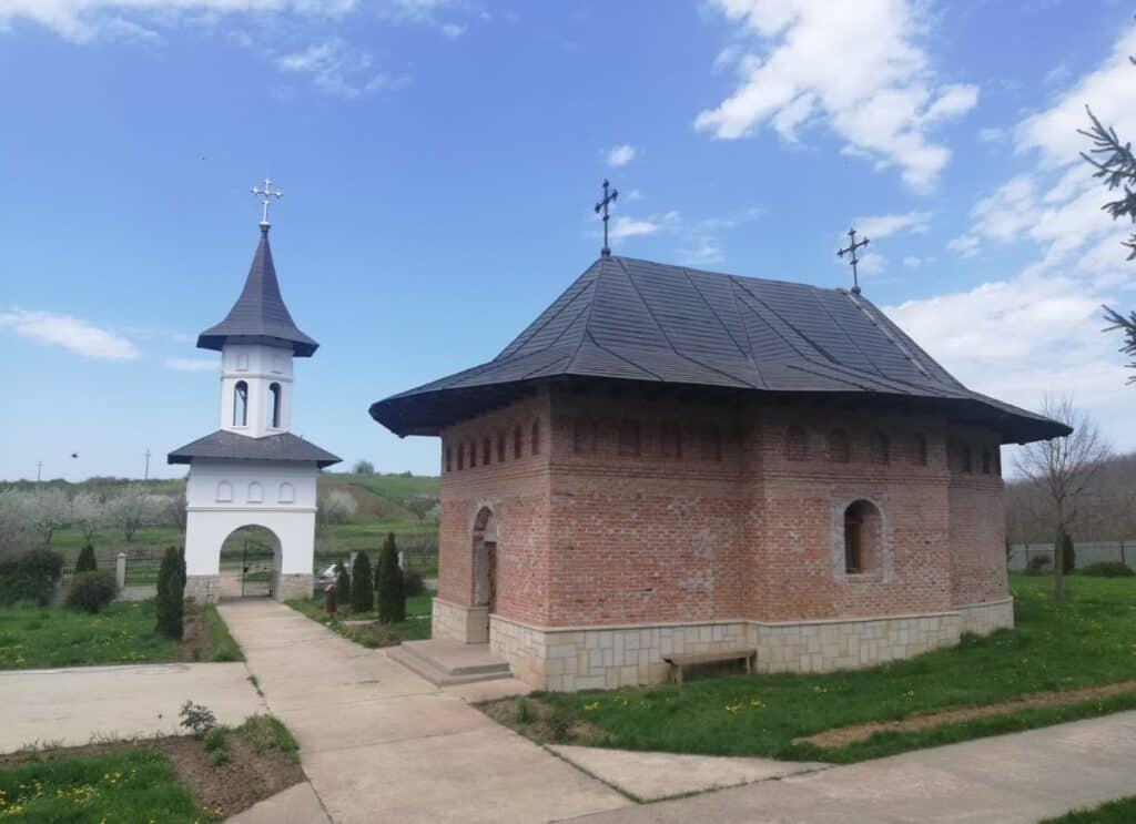 Manastirea Carlomanesti